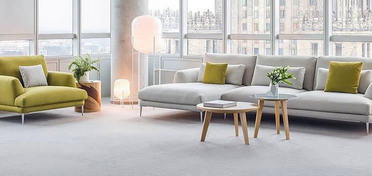moderne, hochwertige Sitzgruppe in grau